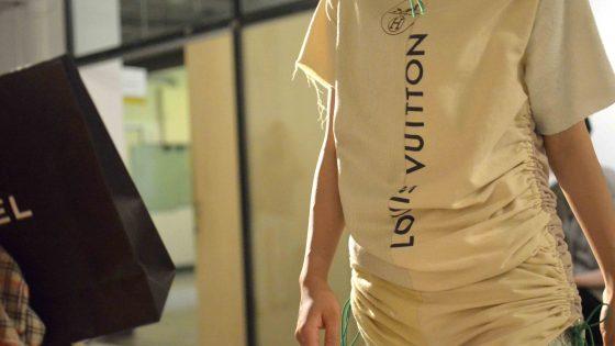 オシャレへのアンチテーゼ。武蔵野美術大学空間演出デザイン学科がファッションショー「SHAM」を開催