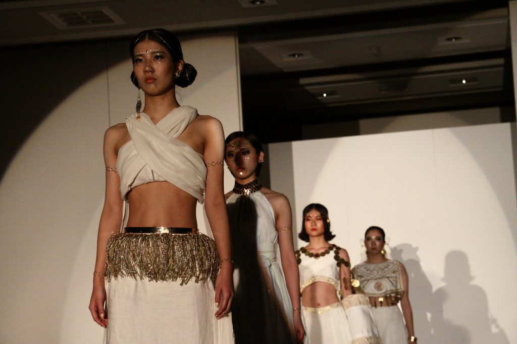"""10/27,10/28に行われた東京家政大学EVEによるファッションショー """"OVER""""をレポート!!"""