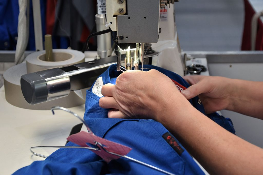 ソーイングスタッフ(縫製作業者)のお仕事|アパレル業界職種ガイド